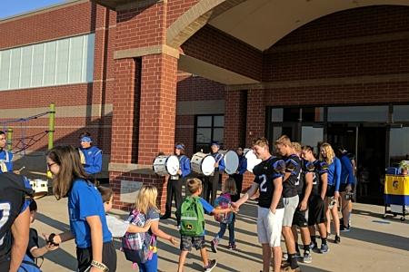 Homecoming Maroa Forysth Grade School