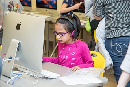 Girl Computer Lab